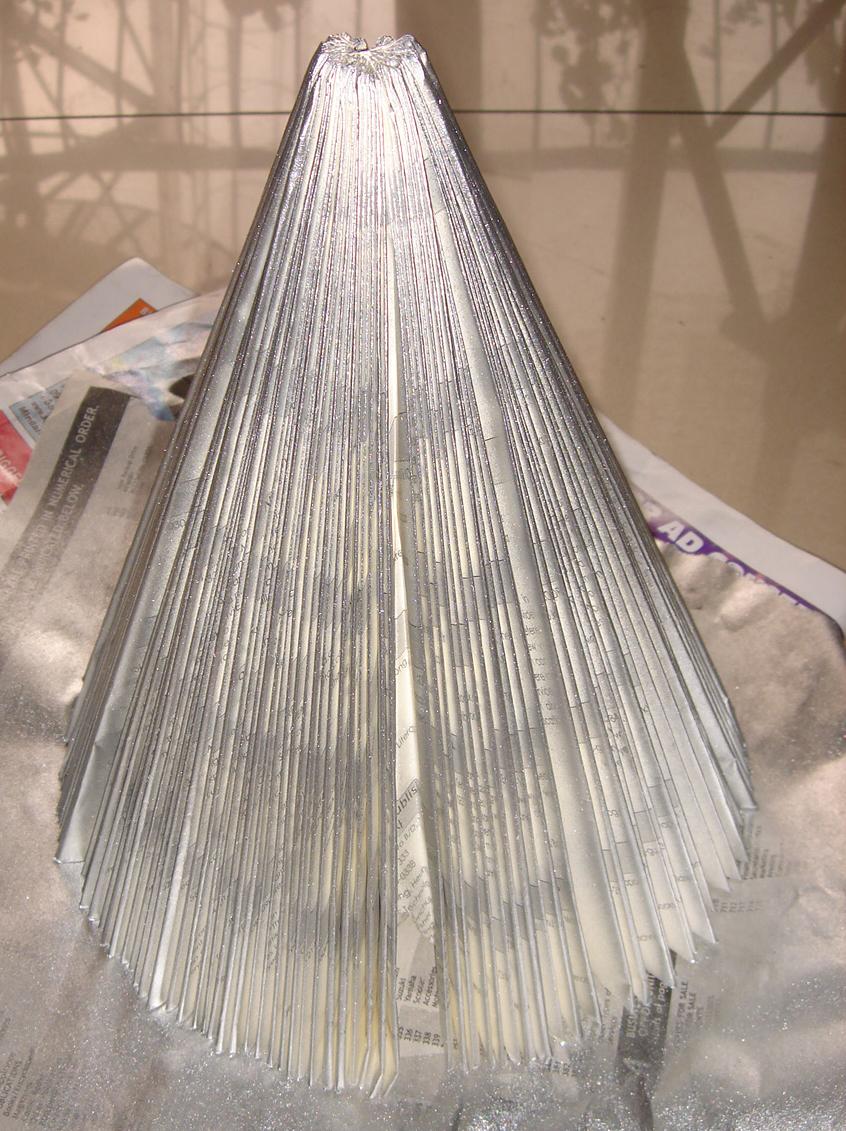 Christmas Tree Color Spray : How to make a recycled book christmas tree